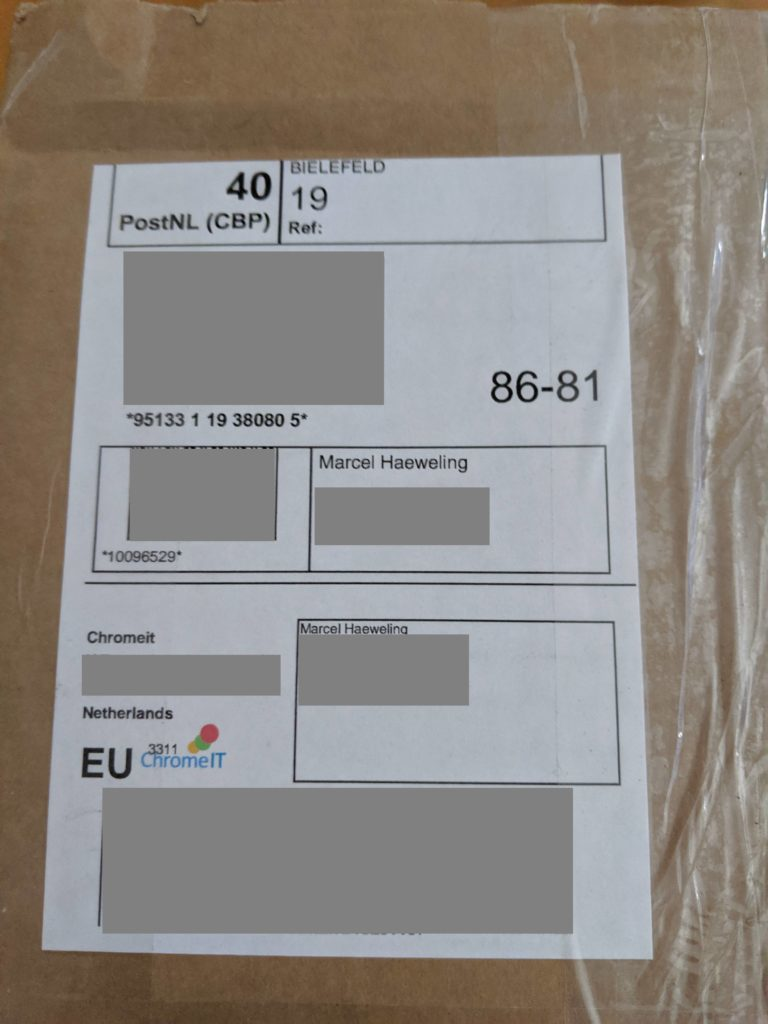 Package with Pixelbook from ChromeIT.nl